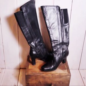 Hush Puppies Black Leather Heeled Boots Size 8.5